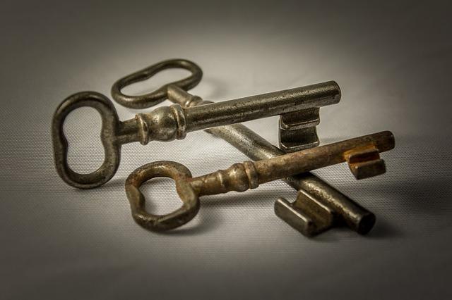 foto riparazioni chiavi serrature